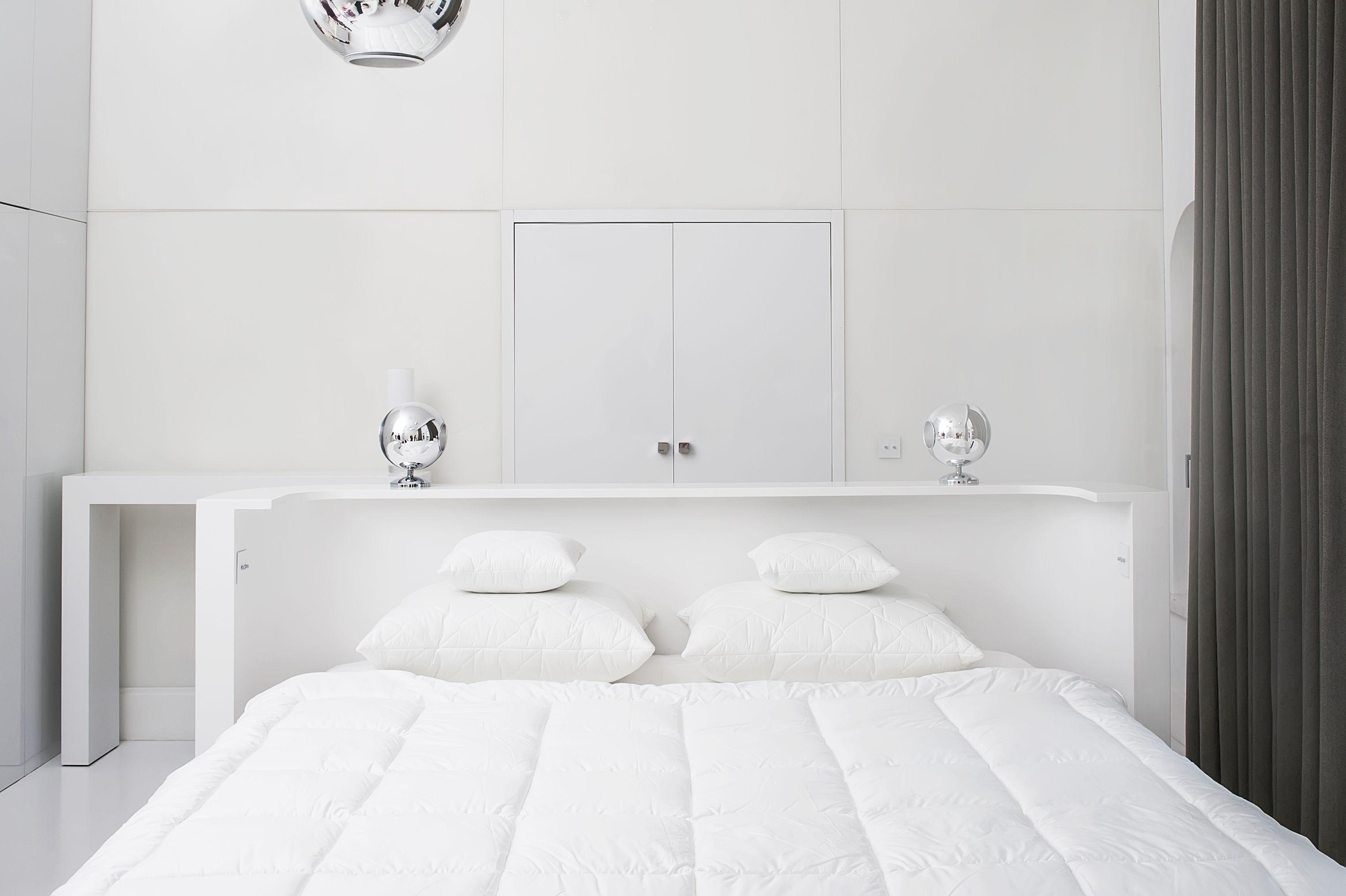 Kołdra, poduszki i jaśki poliestrowe w poszyciu batystowym