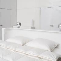 Kołdra materacykowa i poduszki puchowe w poszyciu z inletu