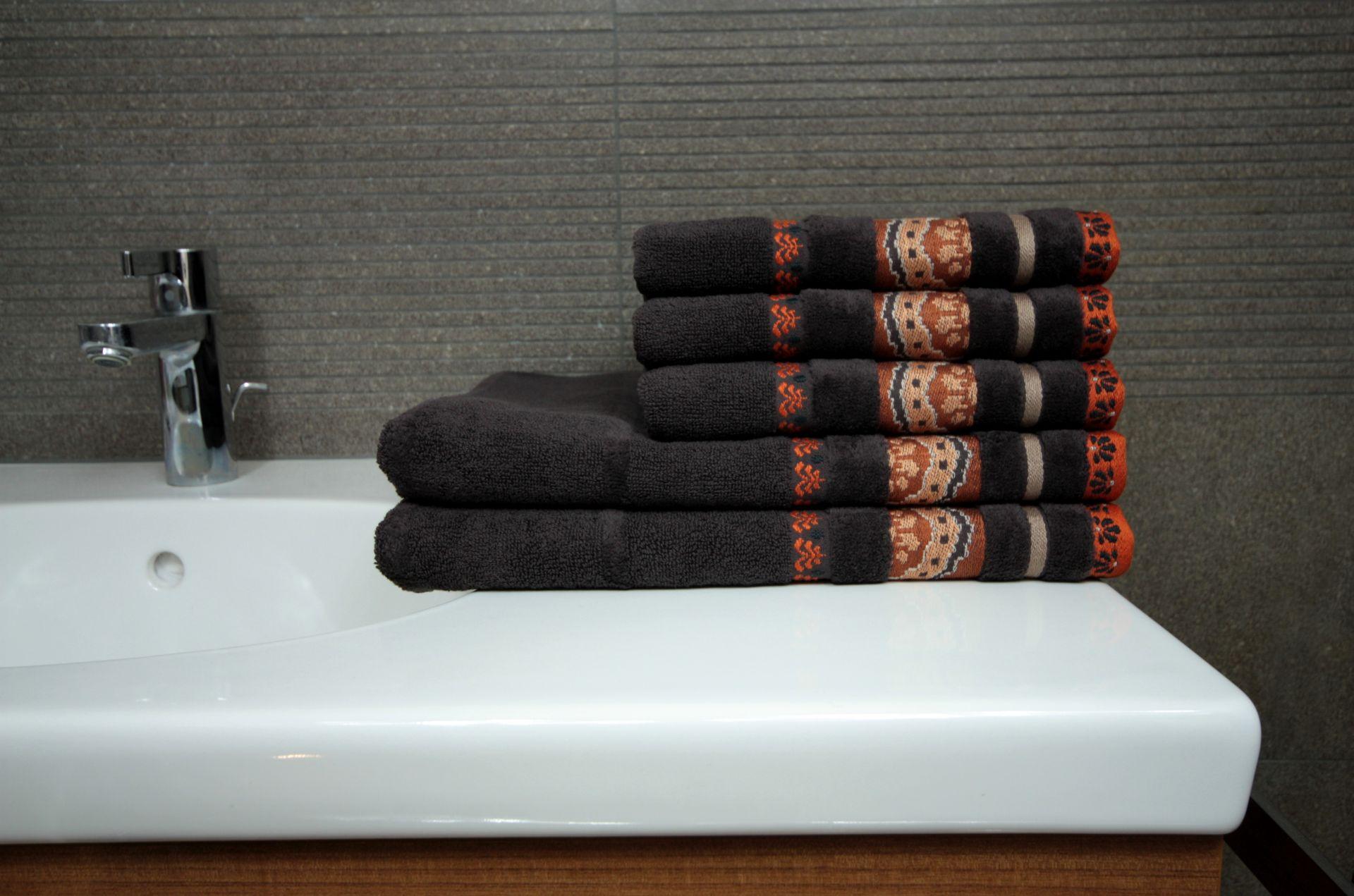 Ręcznik Aztec brązowy