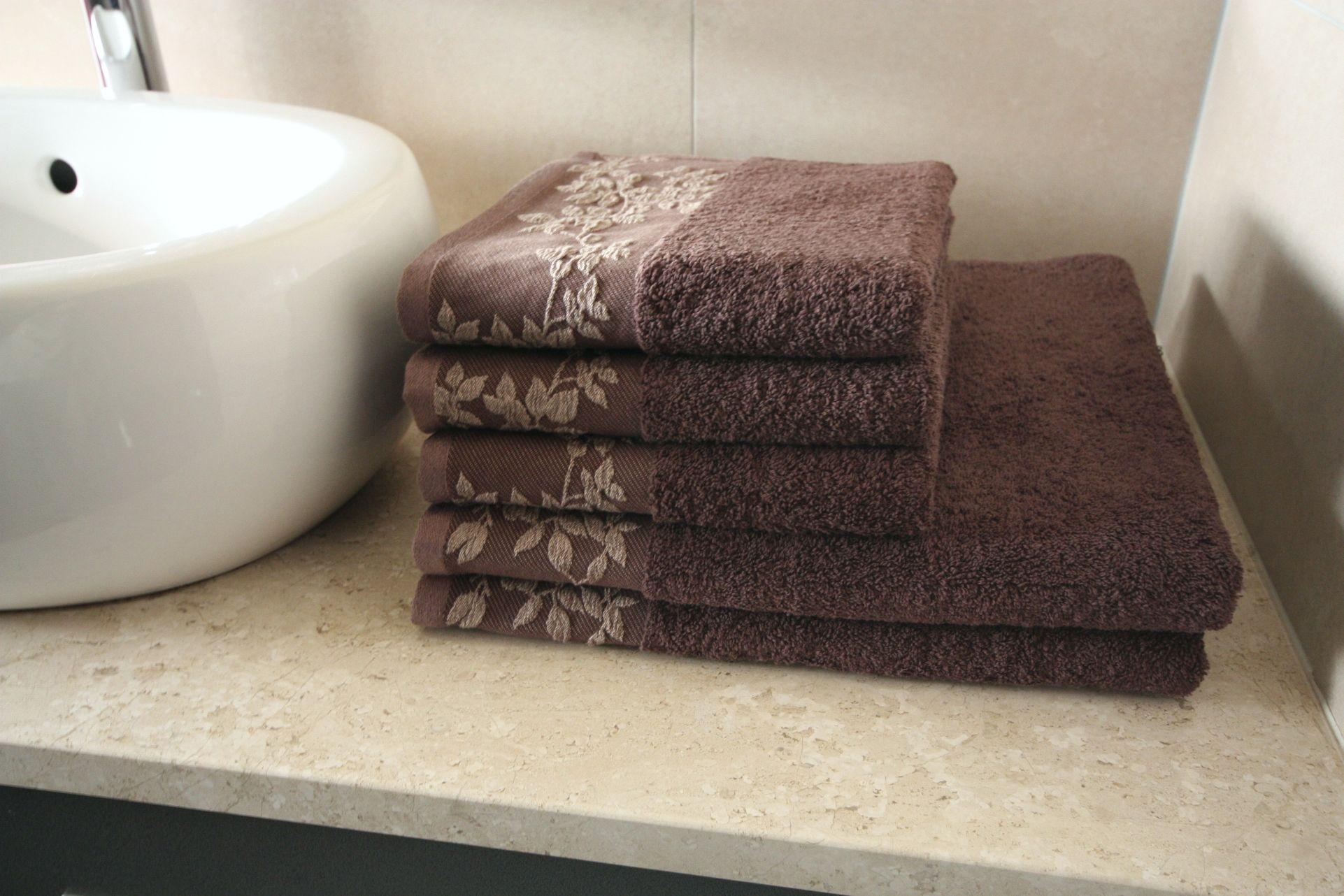 Ręcznik Oliwia brązowy