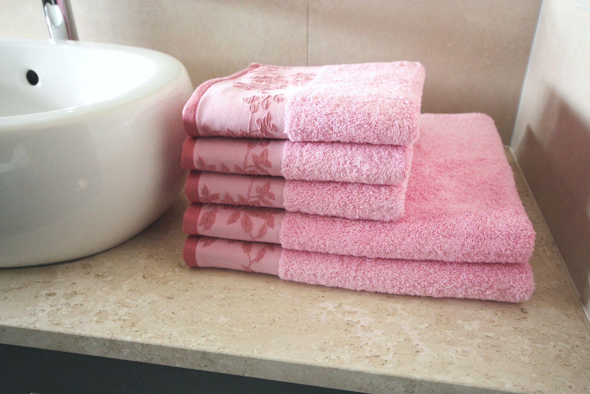 Ręcznik Oliwia różowy