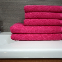 Ręcznik Romby malinowy