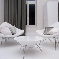 Poduszki szyte na zamówienie z tkanin Boston FR i Glamour z kolekcji Ridex